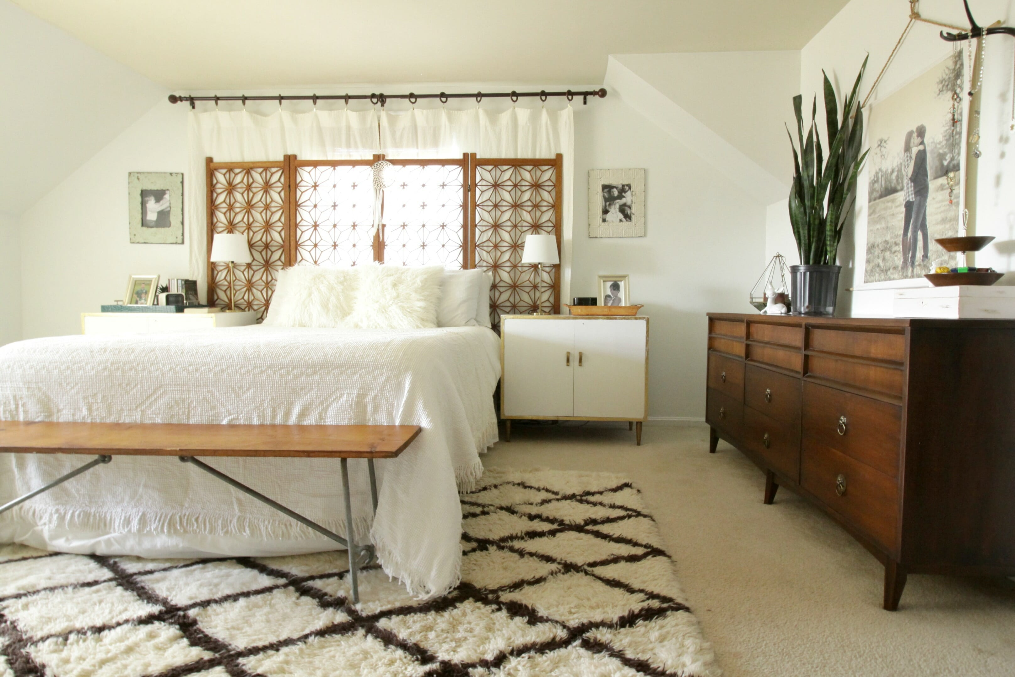 Boho modern white and wood master bedroom and getting a for Sleeping room decoration