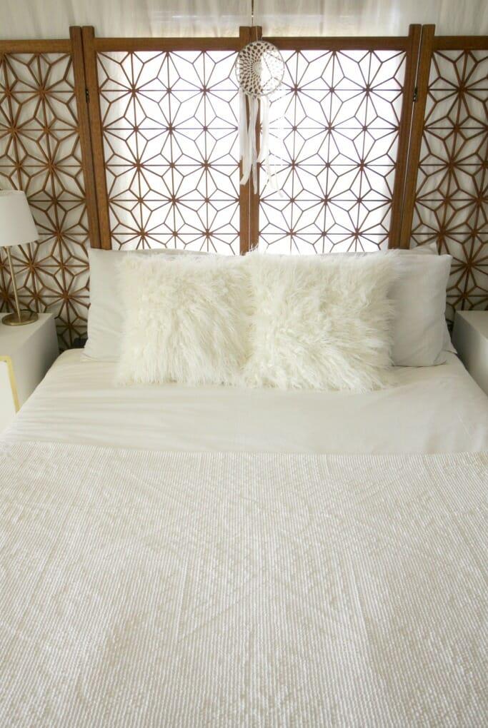 Modern Boho bedroom in white and wood