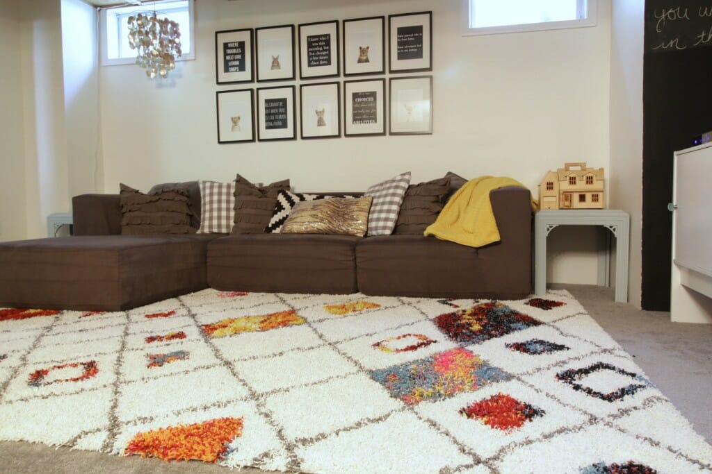 Eclectic-Playroom-Black-White-Gallery-Wall