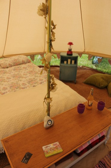 bell tent camping glamping vintage 3