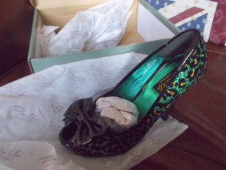 emerald shoes pin up couture heels