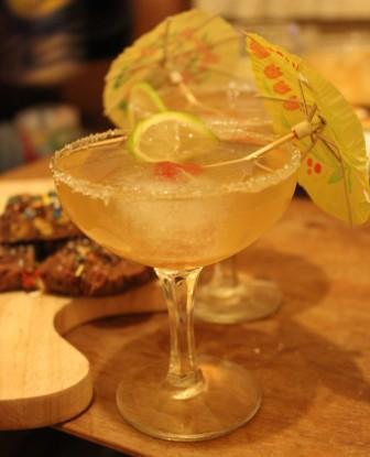 Amaretto sours cocktail recipe