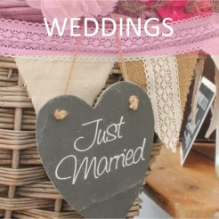 Thrifty venue decor & wedding planning hacks