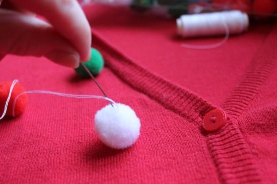 christmas jumper DIY pompoms sewing