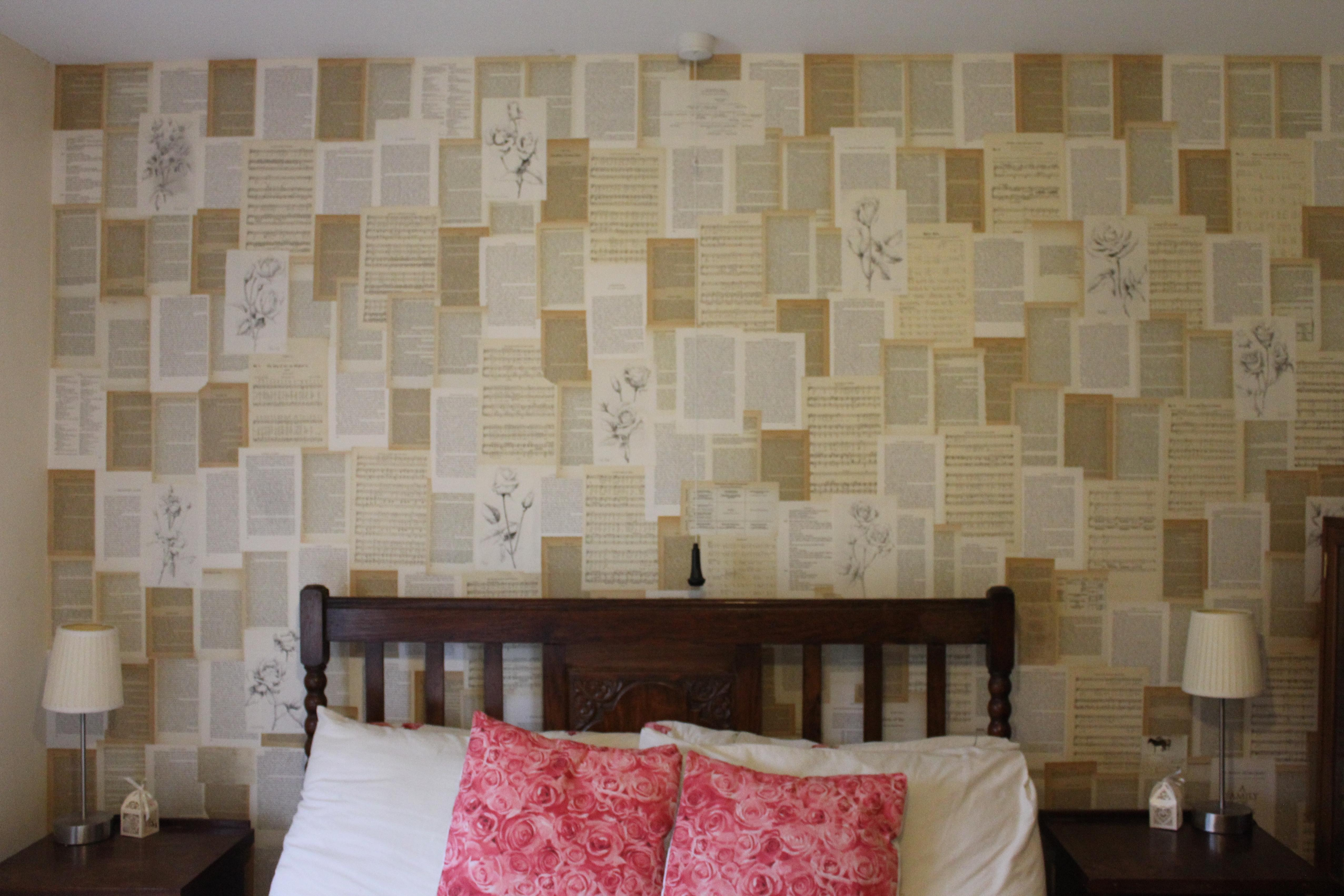 Dream a little dream… books in the bedroom