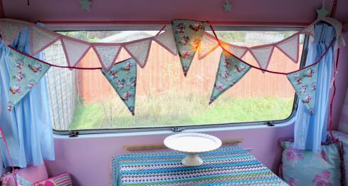 vintage christmas bunting from dotcomgiftshop in my retro shabby chic caravan 2013