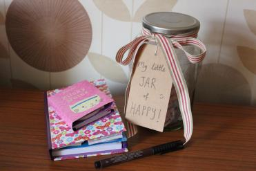 craft project make your own little jar of happy DIY happiness and gratitude pot