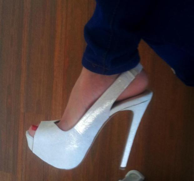 Karine from TropicalColours skyscraper platform heel shoes