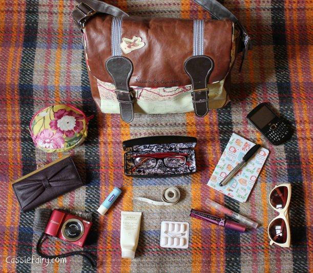 Whats in blogger Cassiefairys handbag-2