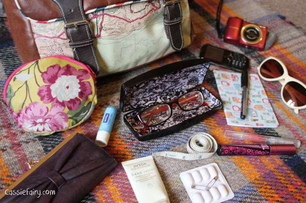 Whats in blogger Cassiefairys handbag-3