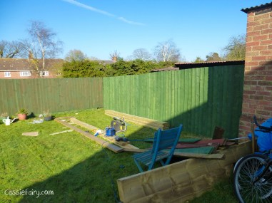 Paint fence planks before nailing to rail-5