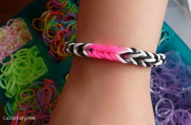 neon trend in sunglasses and loom bands-2