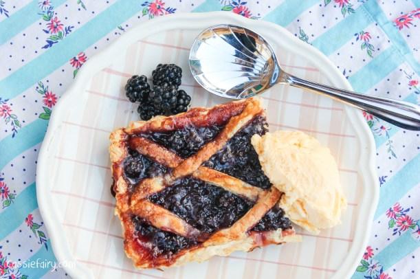 Blackberry tart - jam and pastry recipe