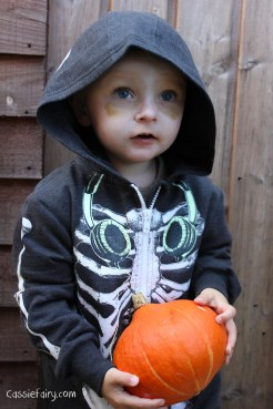 Halloween costumes for all the family_-3