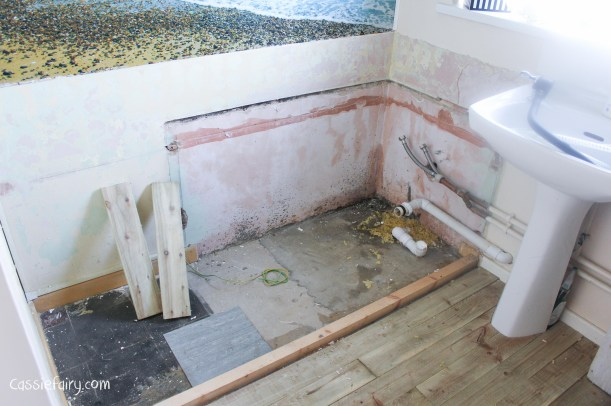 DIY fitting a new bath_-11