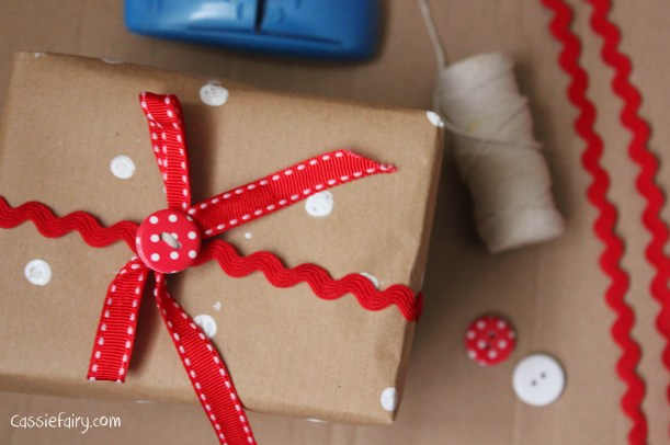 DIY homemade vintage christmas gift wrapping techniques_-19