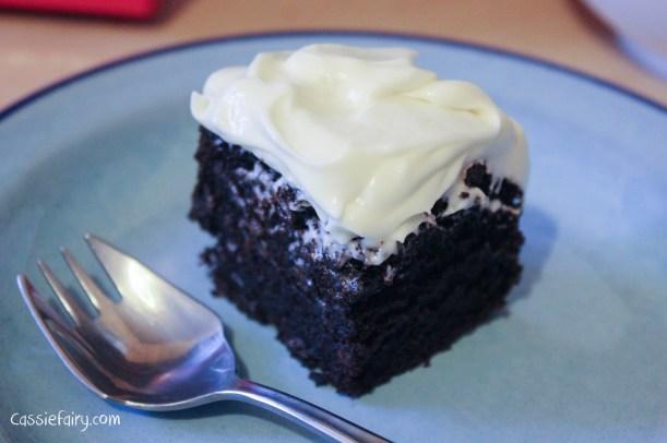 nigellas recipe for chocolate guinness cake-10