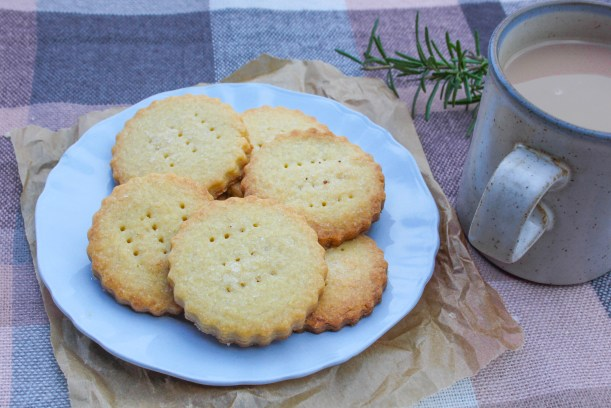 quick easy scottish shortbread biscuit recipe for valentines day or burns night-10