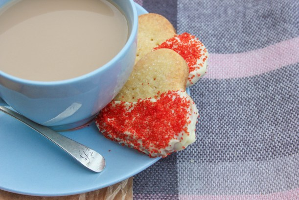 quick easy scottish shortbread biscuit recipe for valentines day or burns night-13