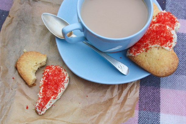 quick easy scottish shortbread biscuit recipe for valentines day or burns night-14