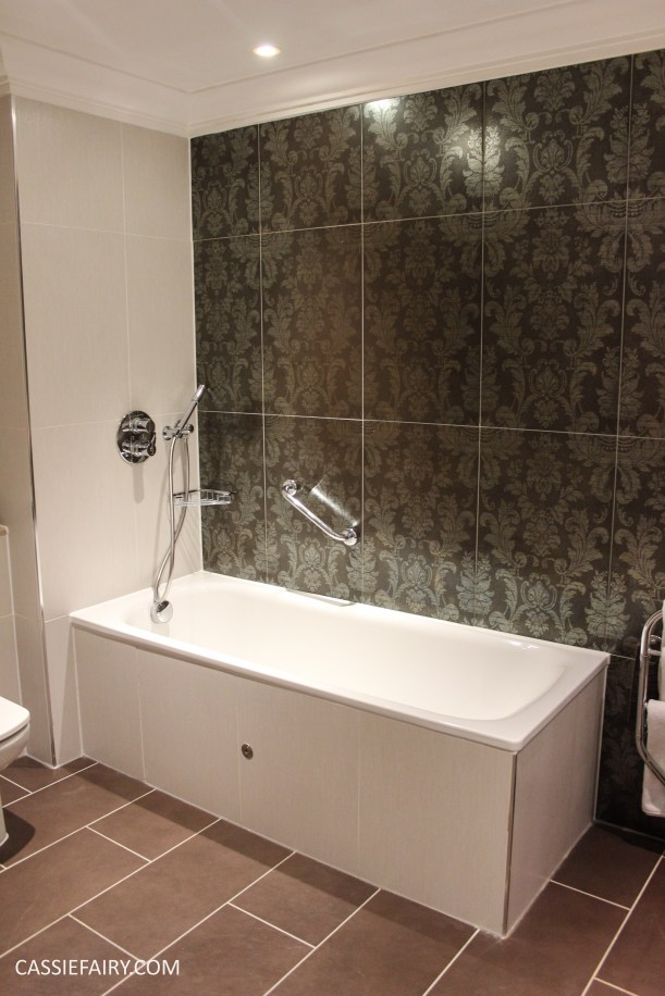 majestic hotel harrogate bathroom