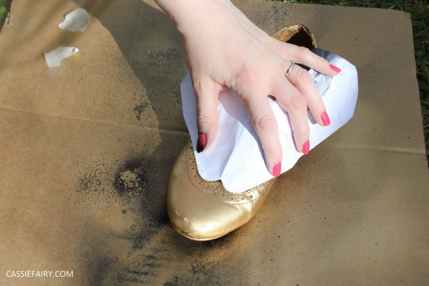 tuesday shoesday cassiefairy diy shoe makeover with fabric spray paint from rustoleum-5