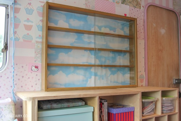 diy display cabinet makeover for vintage caravan_-4