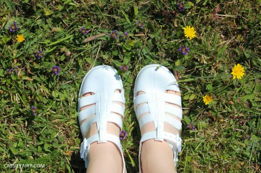 summer footwer trend white jelly shoes-6