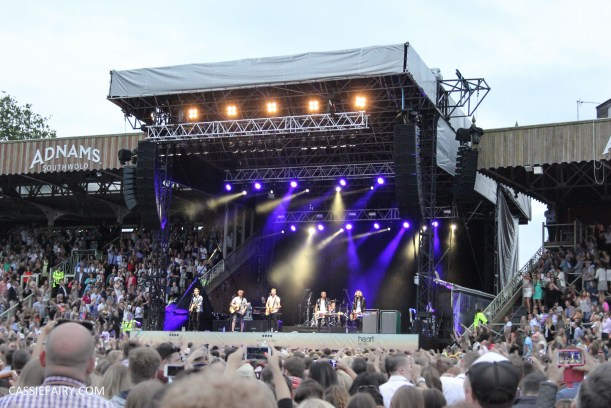 newmarket-racecourse-summer-saturdays-race-day-music-event-mcbusted-15