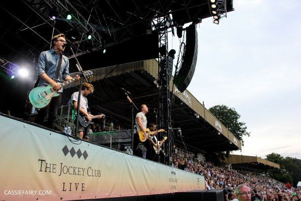newmarket-racecourse-summer-saturdays-race-day-music-event-mcbusted-7