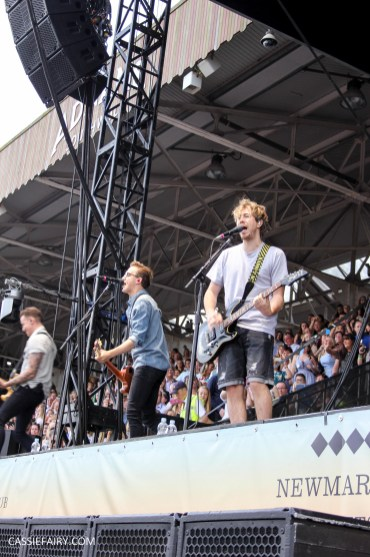 newmarket-racecourse-summer-saturdays-race-day-music-event-mcbusted