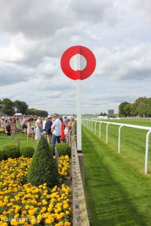 newmarket-racecourse-summer-saturdays-race-day-music-event