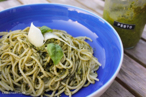 pieday friday diy homemade pesto basic recipe garden produce veggie patch meal dinner-14