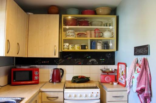 My mini kitchen makeover + chalkboard wall