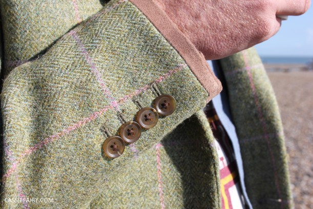 menswear mens fashion styling a tweed jacket casual beach autumn winter-5