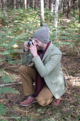 menswear mens fashion styling a tweed jacket layered warm outdoor forest autumn winter-7
