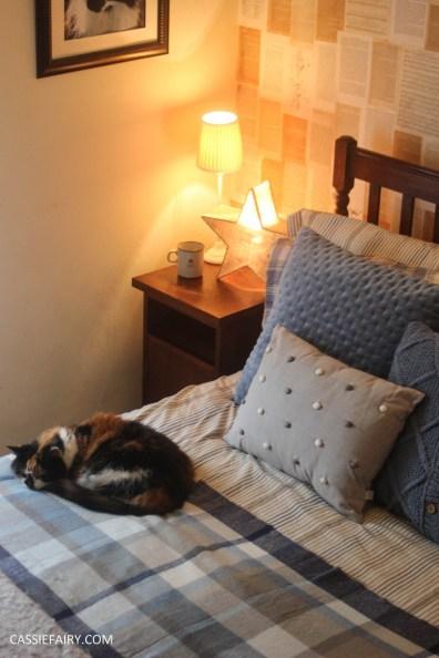 winter interior design - cosy autumn bedroom styling idea inspiration-2