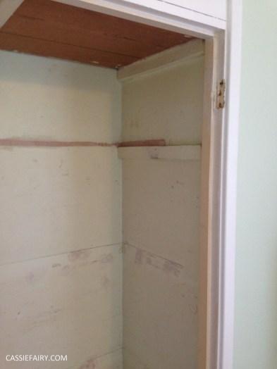 bright colour pink painted bedroom cupboard wardrobe interior diy interior design idea-3