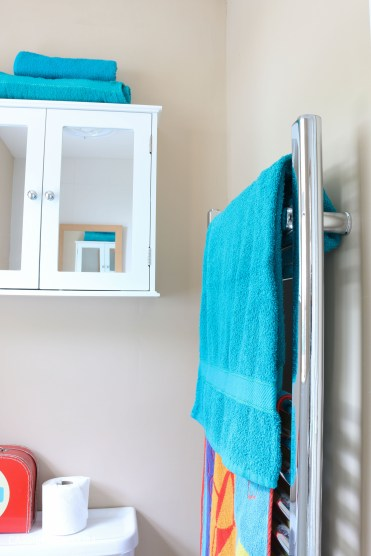 thrifty low cost summer coastal bathroom makeover diy project_-5