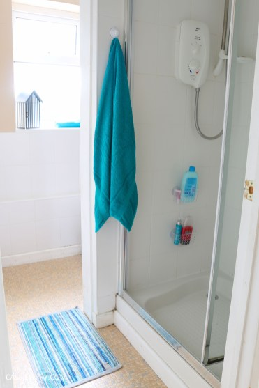 thrifty low cost summer coastal bathroom makeover diy project_-8
