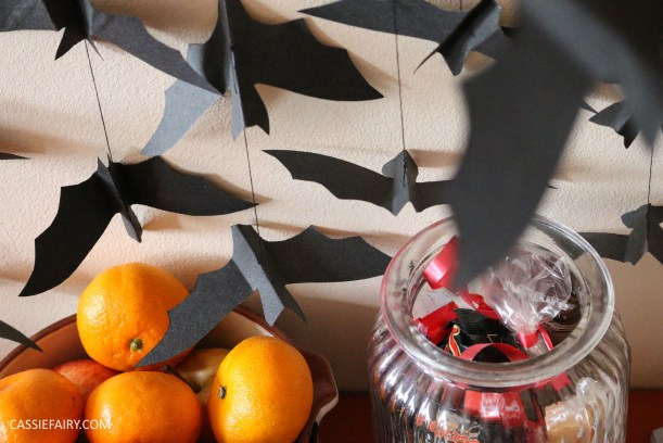 halloween-flying-paper-bat-garland-decoration-tutorial-step-by-step-thrifty-diy-project-9