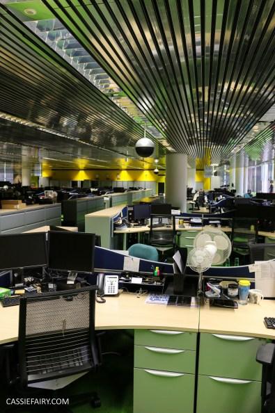 norman-foster-utopian-black-glass-willis-building-ipswich-suffolk-yellow-and-green-interior-office-70s-1970s-17