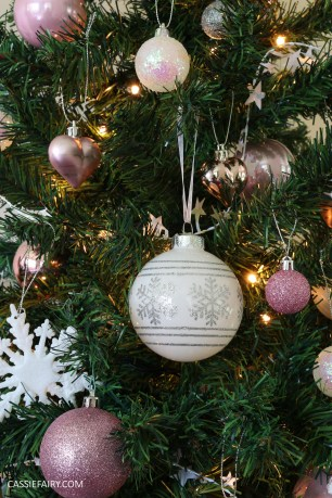 christmas-decorations-pink-heritage-vintage-glittery-trend-winter-2016-baubles-decorations-xmas-12