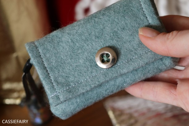 diy-video-project-easy-sew-sewing-felt-camera-case-gift-present-youtube-14