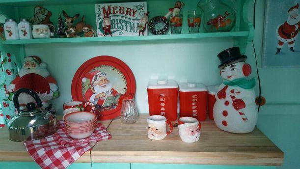 1967-sprite-caravan-renovation-makeover-project-christmas-holidays-festive-decorations-3