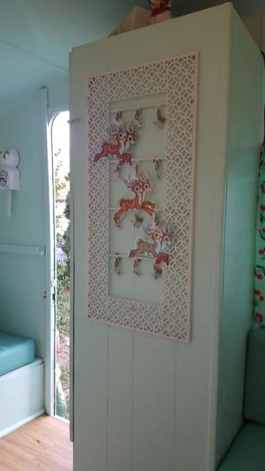 1967-sprite-caravan-renovation-makeover-project-christmas-holidays-festive-decorations-5