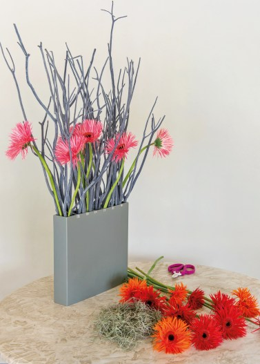 Step 2 Structured gerberas - credit to Polly Eltes