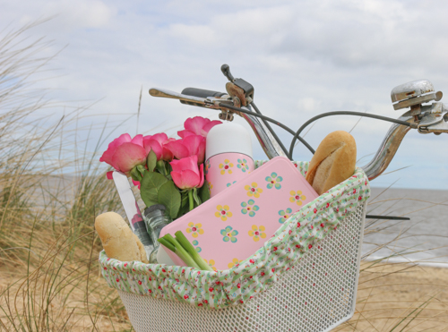 DIY picnic basket, lunch box & flask upcycling project