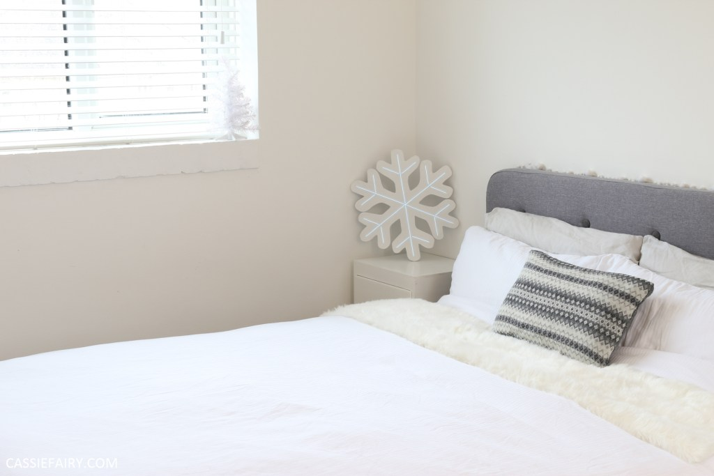 Snowy White Christmas Bedroom Decor How To Made A Neon