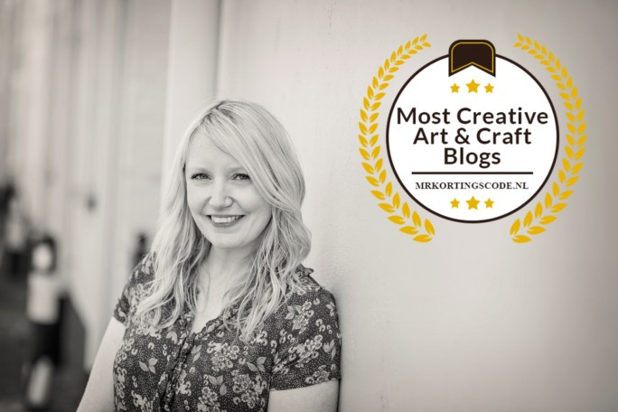 Photo of Cassiefairy smiling with 'Most Creative Art & Craft Blog' badge.